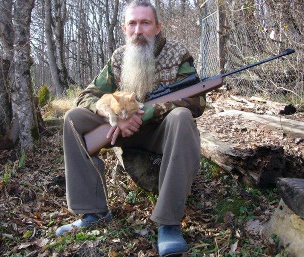 Алексей Трехлебов с рыжим котом